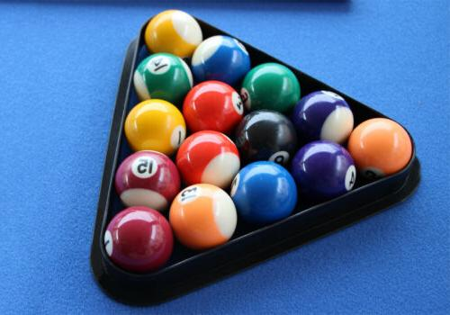 Table Saving Table with Balls Set cues