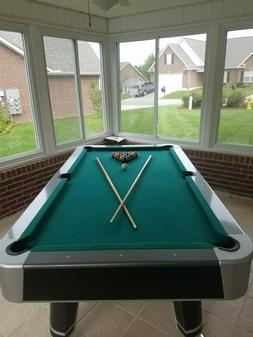 Pool table Barrington 7.5 ft table with accessories and corn